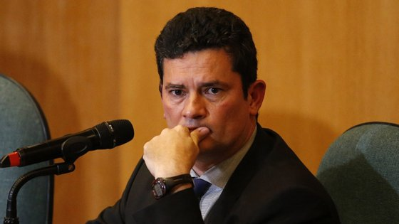 Sérgio Moro aceitou o convite do novo presidente brasileiro Jair Bolsonaro para ser o seu ministro da Justiça