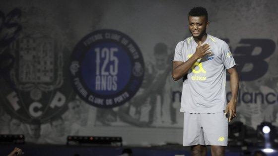 O defesa nigeriano Chidozie regressou aos treinos do FC Porto.