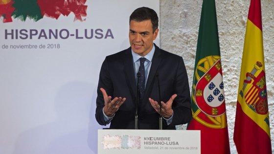 """No Twitter, Sánchez escreve que o Governo """"defenderá os interesses de Espanha"""" e acrescenta: """"Se não há mudanças, vamos vetar o Brexit"""" no próximo domingo"""