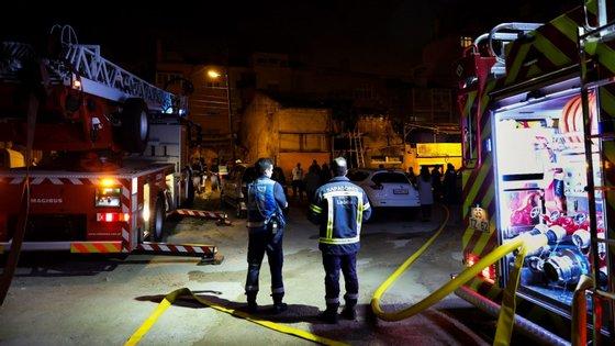 O Regimento de Sapadores Bombeiros de Lisboa acudiu, desde manhã, a 34 ocorrências