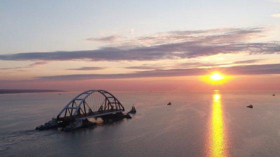 As ações da Rússia já foram criticadas pela União Europeia, que pediu a restauração da liberdade de navegação na zona
