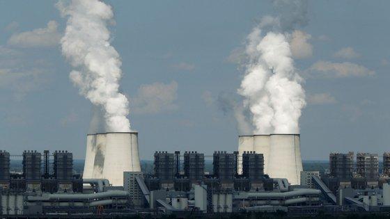 As emissões de dióxido de carbono aumentaram pela primeira vez em quatro anos. Desde 2014 que se encontravam estáveis