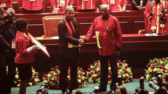 A VI reunião ordinária do órgão deliberativo máximo entre congressos acontece quando está prometida uma resposta de João Lourenço às afirmações do ex-Presidente angolano