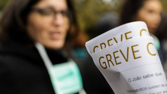 O protesto dos enfermeiros foi convocado pela Associação Sindical Portuguesa de Enfermeiros (ASPE) e pelo Sindicato Democrático dos Enfermeiros de Portugal (Sindepor)