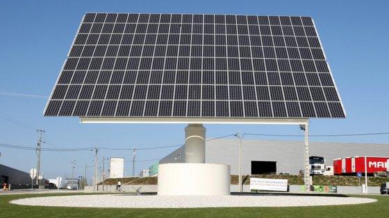 A principal meta do Roteiro para a Neutralidade Carbónica é praticamente acabar com as emissões de gases de estufa em 45 anos, com uma redução de 85% a 99% entre 2005 e 2050