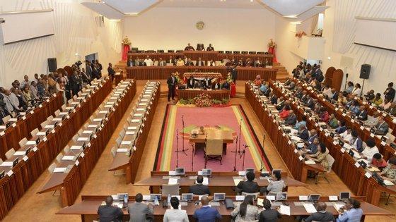 O Orçamento do Estado para 2019 vai ser discutido no parlamento moçambicano