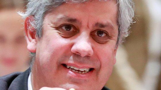 """""""Depois de vários meses de intensas negociações e de uma reunião difícil, chegámos a um acordo sobre um plano para fortalecer o euro"""", anunciou Mário Centeno"""