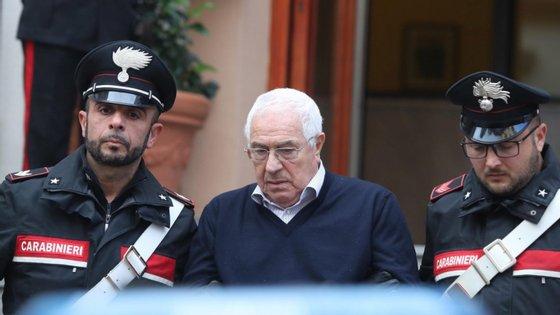 A detenção do novo chefe da máfia siciliana, Settimino Mineo, um joalheiro de 80 anos, ocorreu antes da entrada para uma reunião da Cosa Nostra
