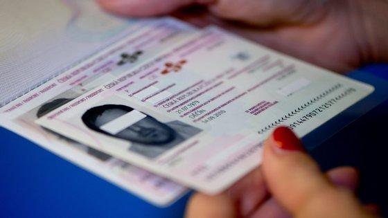 O Centro Comum de Vistos terá recusado o visto à mulher do português, porque o seu marido não tem residência em Portugal