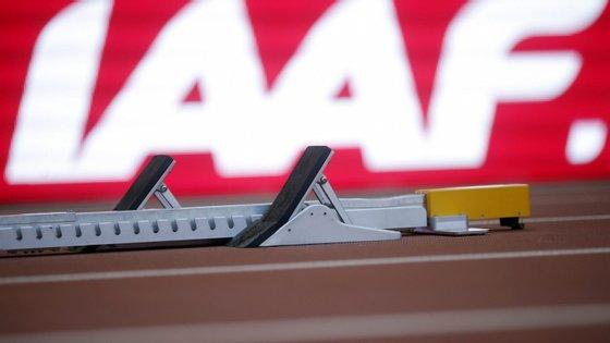 A IAAF -- Associação Internacional das Federações de Atletismo suspendeu a Rússia das competições internacionais por descoberta de um esquema de doping