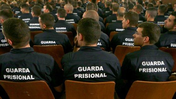 Cerimónia de abertura do Curso de Formação Inicial da Carreira de Guarda Prisional organizada pela Direção Geral de Reinserção e Serviços Prisionais, no Estabelecimento Prisional de Tires