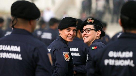Os guardas prisionais exigem que sejam retomadas as negociações com o Ministério da Justiça que foram suspensas em agosto