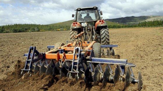 "Portugal declarou despesas na medida ""Desenvolvimento Rural, investimentos FEADER -- beneficiários privados"", as quais Bruxelas considerou indevidas"
