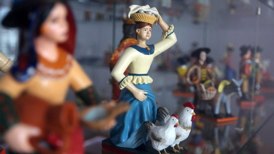 """""""Produção de Figurado em Barro de Estremoz"""", mais conhecida como bonecos de Estremoz"""