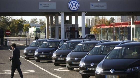 A falta de motores a gasolina não é exclusiva da fábrica de Palmela, já que esta situação afeta várias fábricas do grupo Volkswagen