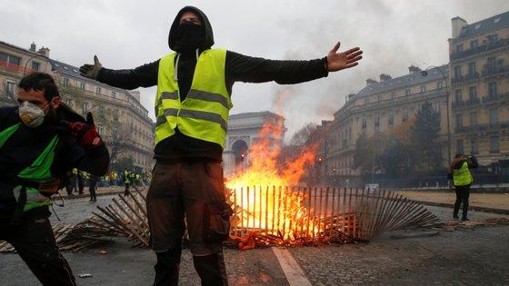 No sábado passado foram detidos mais de 400 manifestantes em Paris