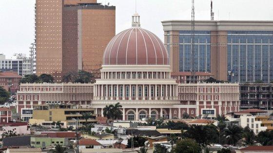 O ministro apontou um prejuízo total para o Estado angolano de 2,3 mil milhões de euros entre 2016 e 2017