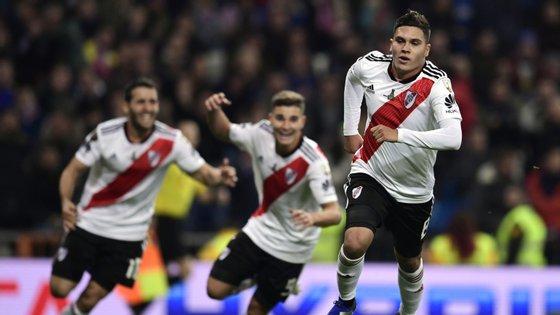 Quintero saltou do banco e foi o jóquer do River Plate no triunfo frente ao Boca Juniors conseguido na segunda parte do prolongamento