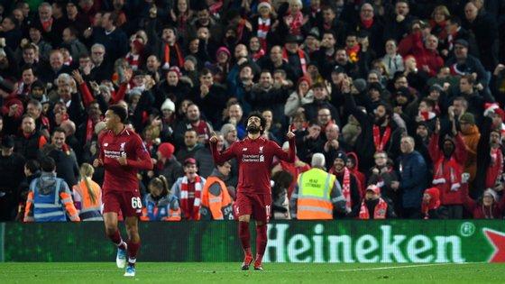 Salah fez mais um jogo fabuloso em Anfield Road, onde leva 35 golos e 13 assistências em 38 encontros pelo Liverpool