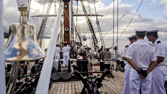 O navio-escola Sagres, em viagem de instrução de cadetes do 2º ano da Escola Naval.
