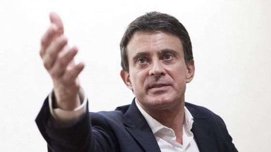 Manuel Valls é natural de Barcelona e assumiu o cargo de primeiro-ministro em França de 2014 a 2016, antes tinha sido ministro do Interior, de 2012 a 2014