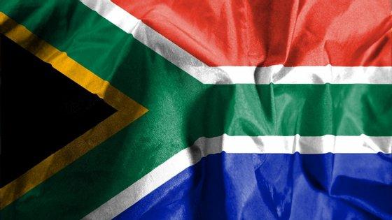 A África do Sul, único país africano a sediar um Mundial, em 2010, já organizou a CAN duas vezes, em 1996 e 2013