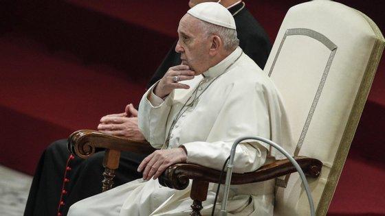 Fotografia do Papa Francisco durante uma audiência no Vaticano.