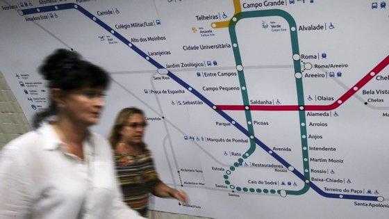A circulação esteve interrompida entre as estações das Laranjeiras e da Avenida entre as 14h30 e as 15h28 desta quarta-feira