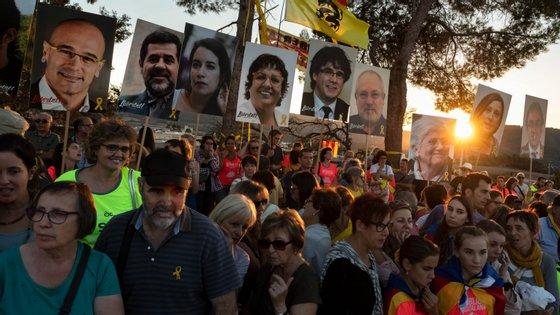 Manifestação em defesa dos líderes catalães independentistas, acusados de rebelião