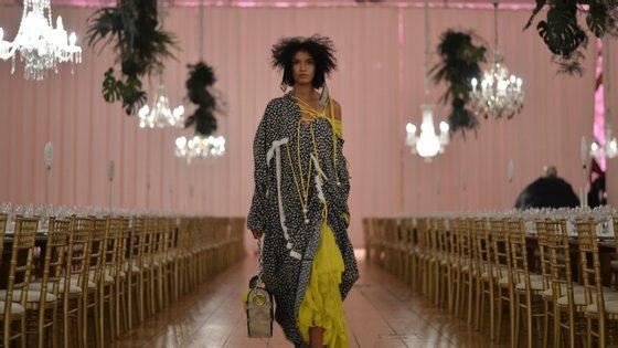 No Porto, 29 jovens designers de moda europeus apresentaram as suas coleções num desfile conjunto. Nove levaram prémios para casa