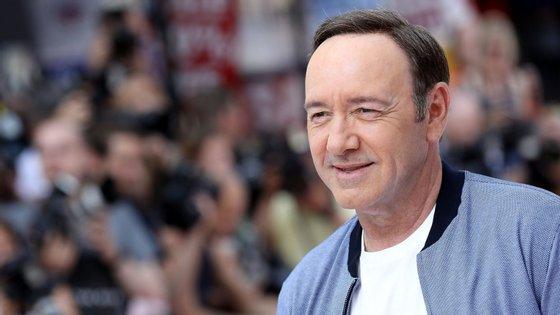 O ator de 59 anos vai ser formalmente acusado de agressão sexual a um jovem de 18 anos
