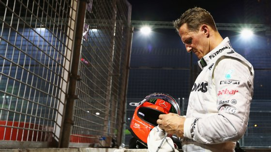 Michael Schumacher reformou-se em 2012. Um ano depois sofreu um acidente grave enquanto fazia ski