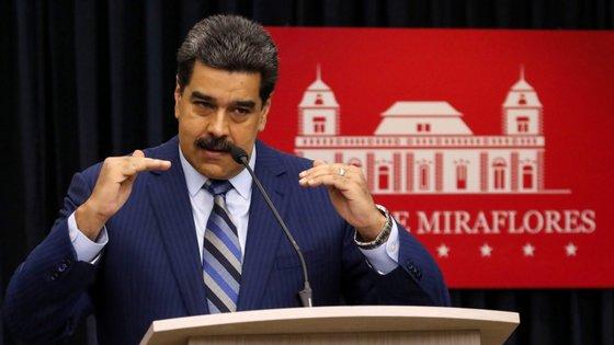 O Presidente da Venezuela, Nicolás Maduro falava aos jornalistas no palácio presidencial de Miraflores, em Caracas