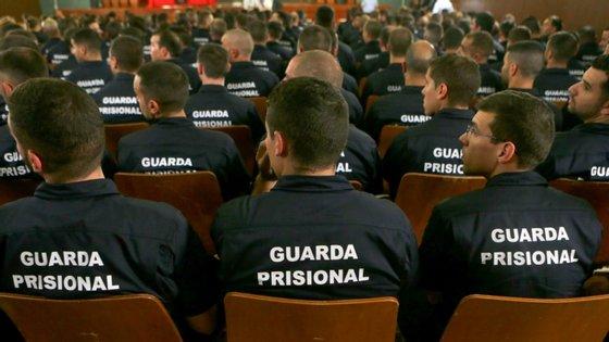 O dirigente da APAR criticou a forma prolongada como a paralisação dos guardas prisionais está a ser realizada