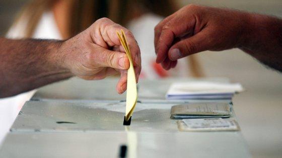 Portugal está bem classificado na categoria de processo eleitoral e pluralismo