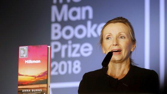 Anna Burns recebeu o Man Booker Prize em outubro do ano passado