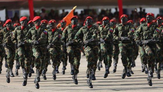 As Forças Armadas Venezuelanas (FAV) reconheceram a autoridade de Nicolás Maduro como Presidente da Venezuela para o período 2019-2025