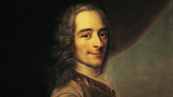 Escritor, historiador e filósofo, Voltaire é um dos nomes grandes do pensamento ocidental