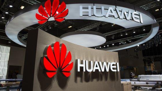A Huaweie outras empresas chinesas têm vindo a ser acusadas de espionagem