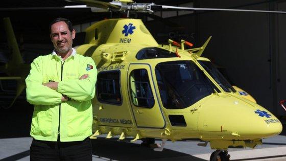 Mas já em 2012, António Peças tinha tido problemas com o INEM, tendo sido retirado das escalas da viatura médica de emergência e reanimação do hospital de Évora, onde trabalha