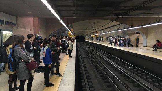 Na quarta-feira o Governo lançou o concurso para a construção das novas estações Estrela e Santos e o consequente prolongamento das linhas Amarela e Verde, num investimento de 210 milhões de euros até 2023