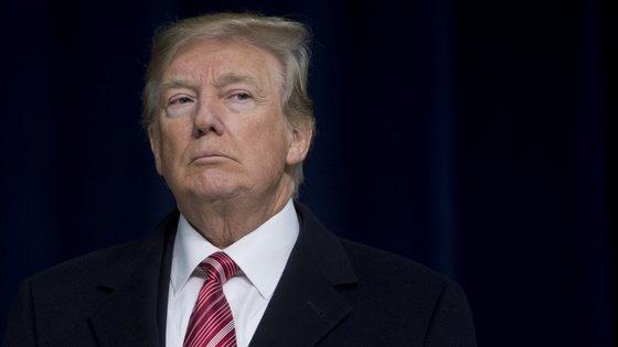 A saída para o impasse pode estar na declaração de emergência nacional, que permitirá ao Presidente reunir os 5,7 mil milhões de dólares dos cofres federais, contornando a oposição Democrata no Congresso