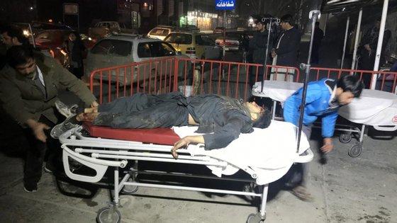 Cabul tem sofrido nos últimos meses uma série de grandes ataques contra todos os tipos de alvos, desde membros da minoria xiita aos trabalhadores envolvidos nas eleições parlamentares, bem como a candidatos e eleitores