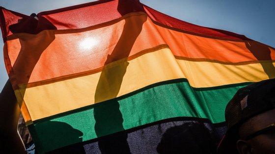 Terapias de reorientação sexual terão sido dirigidas por psicólogos, psiquiatras e padres, segundo uma reportagem da TVI