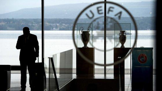 UEFA anuncia a abertura do inquérito disciplinar