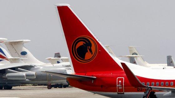 """A medida é justificada pelo Presidente angolano com a """"transformação e modernização"""" da TAAG -- Linhas Aéreas de Angola SA"""