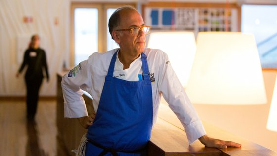 O chef Nuno Diniz é professor, cronista, gastrónomo e um apaixonado pelo fumeiros nacional.