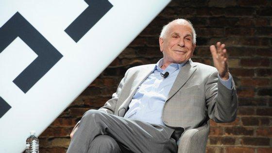 Daniel Kahneman dedicou-se durante muito tempo a estudar a felicidade