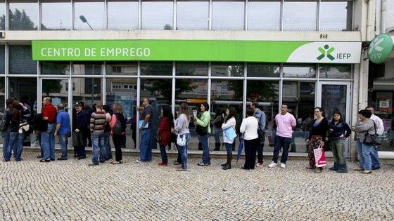 Segundo o IEFP, o peso do desemprego de longa duração baixou para 43,9% em dezembro