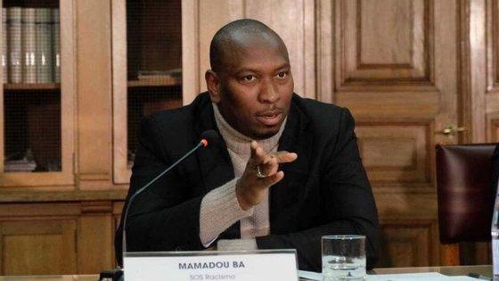 """Mamadou Ba fez esta terça-feira uma nova publicação a dizer que """"bater em alguém porque é negro ou cigano, é uma bosta"""""""